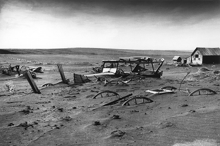 Dust Bowl Black and White
